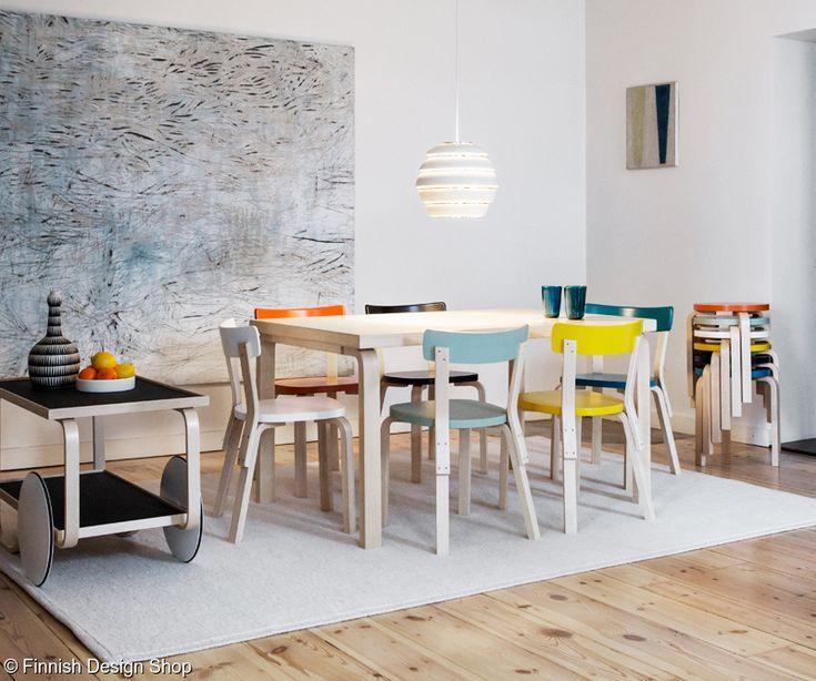 artek,artek ruokapöytä,jakkara 60,tuoli 69,mehiläispesä valaisin,suomalainen design,artek tarjoiluvaunu,olohuone,ruokailuryhmä,design,valaisin,tarjoiluvaunu,ruokapöytä,puinen,värikäs,riippuvalaisin