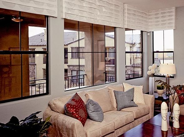 Modern looking bronze aluminum windows by milgard for Thermal replacement windows