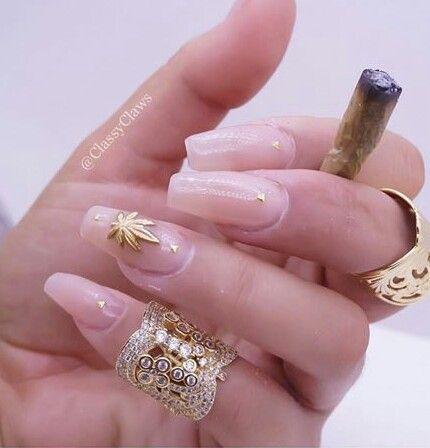 Stoner Acrilic Nails