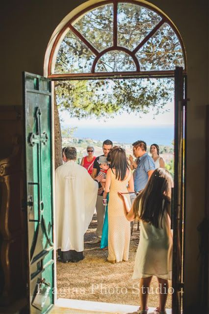 Βάπτιση Vintage στον Iερό Ναό της Αναλήψεως στην Κεφαλονιά