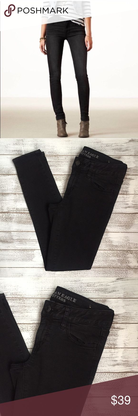 "ONE HOUR 💥 AMERICAN EAGLE JEAN JEGGING  American Eagle jean JEGGING. Super stretch. Mint condition. NWOT. Size 4 Short.  Waist 14"" Inseam 29"" Length 36"" American Eagle Outfitters Jeans Skinny"