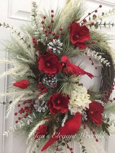 Adorable Christmas Wreath Ideas For Your Front Door 09