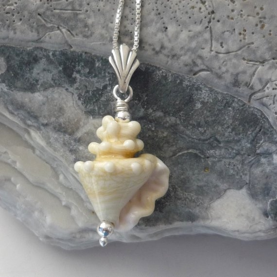 awesome lampworked bead.  LOVE THIS