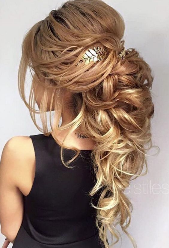Elstile long wedding hairstyle idea with headpiece