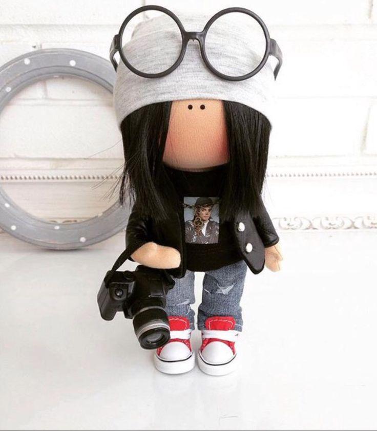 Linda muñeca de M. B.