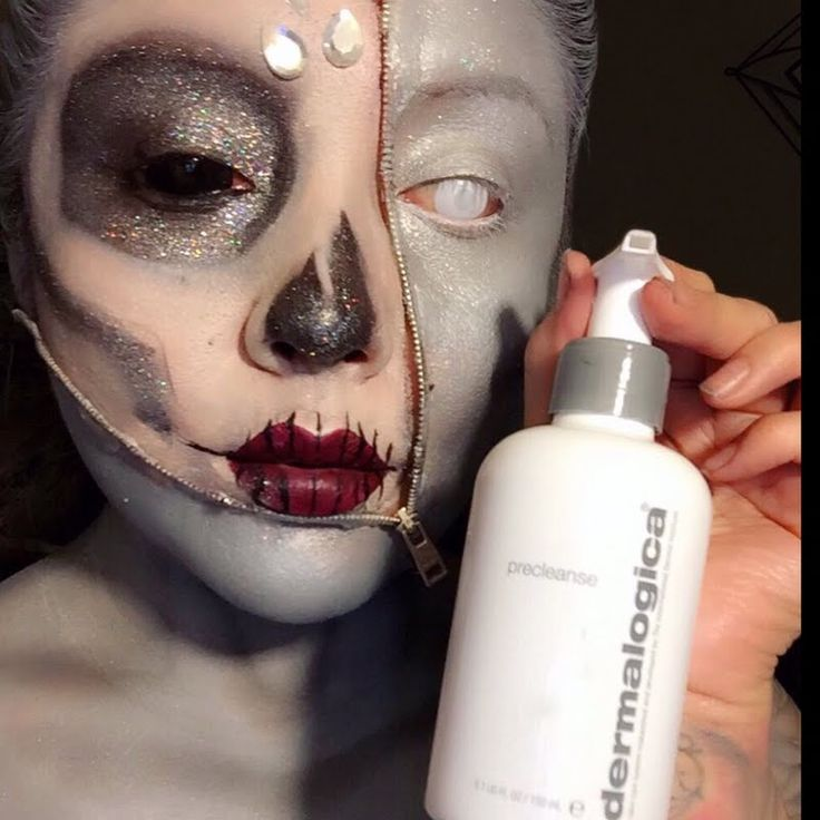 Preen.Me VIP Carolina A shows off her down right eerie yet creative Halloween look that she intends to strip off without a trace using her gifted  #Dermalogica PreCleanse Oil-Busting Emulsifyer. Click through for more.