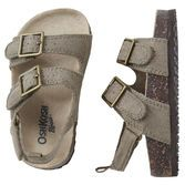 These comfy sandals are ideal for family picnics in the park all throughout summer.