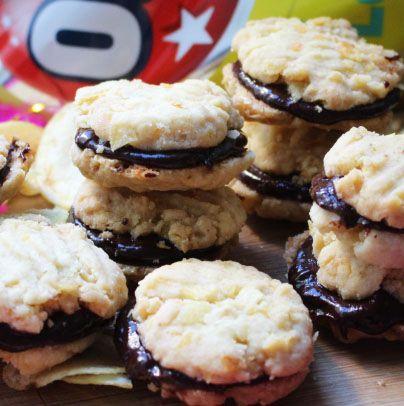 Chipskakor är ett gott recept på kakor med chips och choklad i. Underbart krispiga och goda till ditt fredagsmys.