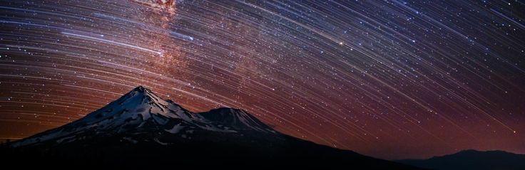 Estrelas sobre o Monte Shasta, na Califórnia