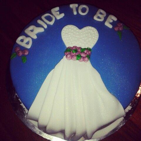 Vanilla caramel centre fondant covered bride to be cake