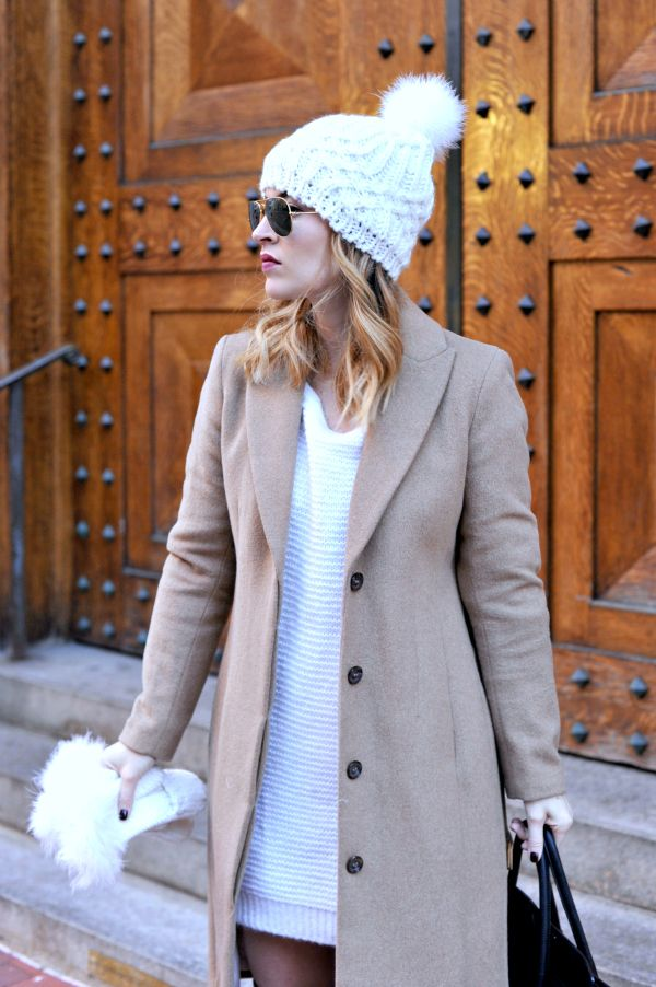 There's just something about a pom beanie and faux fur mittens that just screams adorable to me, and I'm instantly transported to being a little girl, all bundled up in my jacket, hat, and gloves! | winter fashion tips | winter style ideas | cold weather fashion | how to style a pom beanie | best winter style ideas || Oh So Glam Blog