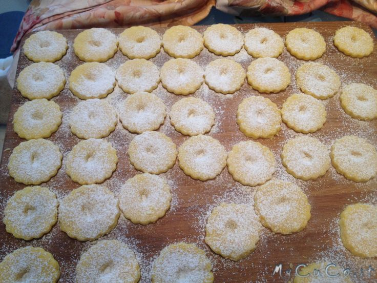 Biscotti Canestrelli - http://www.mycuco.it/cuisine-companion-moulinex/ricette/biscotti-canestrelli/?utm_source=PN&utm_medium=Pinterest&utm_campaign=SNAP%2Bfrom%2BMy+CuCo