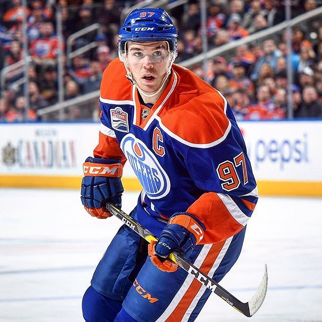 Connor McDavid scores in OT to carry Oilers to 4-3 win over Panthers One thing about Connor McDavid: he's all about timing. On the night when McDavid reached 100 points in the first period, he then gave the Edmonton Oilers a 4-3OT victory.