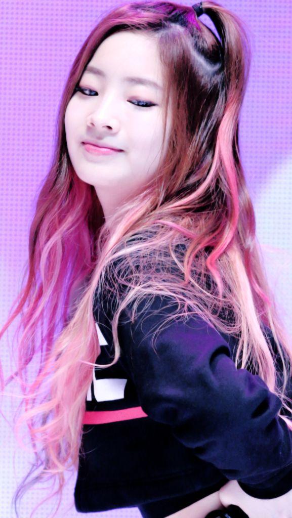 Pin by Misty 🍭 on DAHYUN (TWICE) | Twice dahyun, Hair color blue, Twice