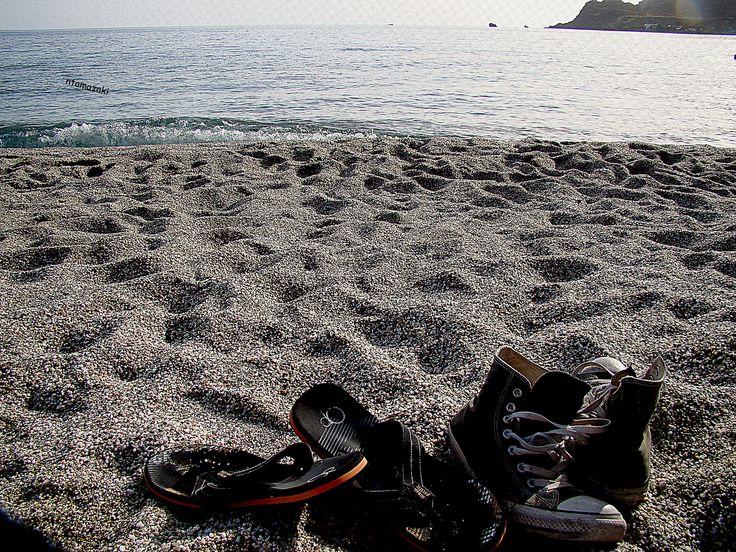 Ξυπόλυτοι στην άμμο