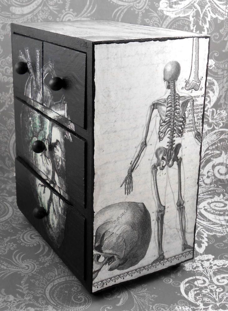 Black and White Heart Anatomy Stash Jewelry Box. $25.50, via Etsy.