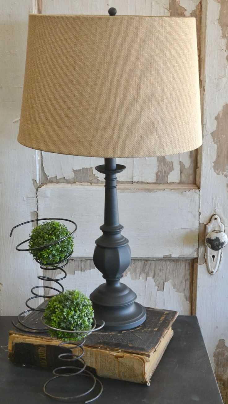 Green Table Gifts: Chalk Paint® Lamp Revamp: