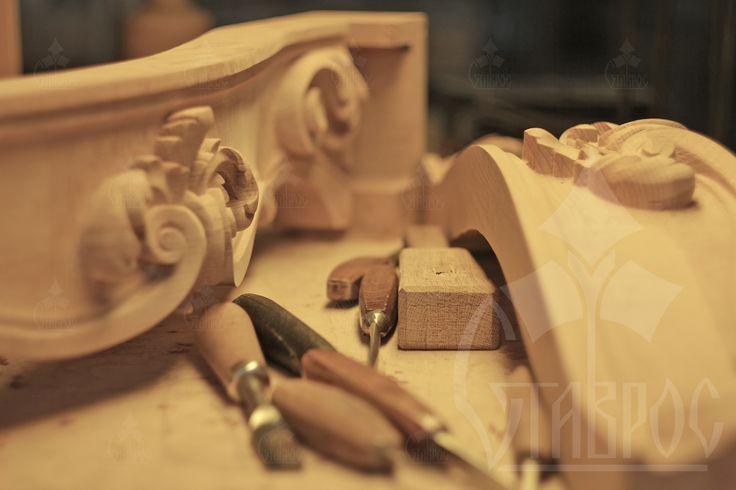 """«Одна из несомненных и чистых радостей есть отдых после труда» Иммануил Кант #цитаты #мысли #резьба #труд #момент #вдохновение #красота #дерево """"One of the obvious and pure pleasures is relaxing after work"""" Immanuel Kant #beauty #inspiration #decor #carving #carved #wood #wooden #citations"""