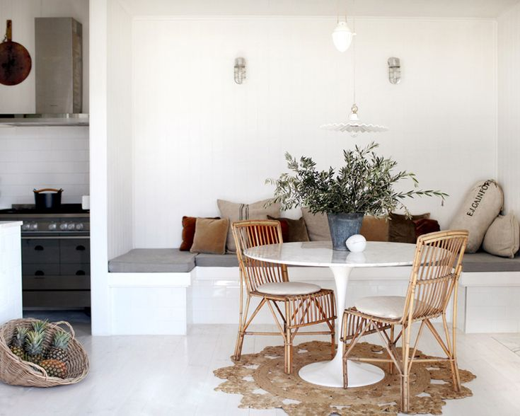 hello lovely inc.: Old white cottage & homebunch. breakfast nook.