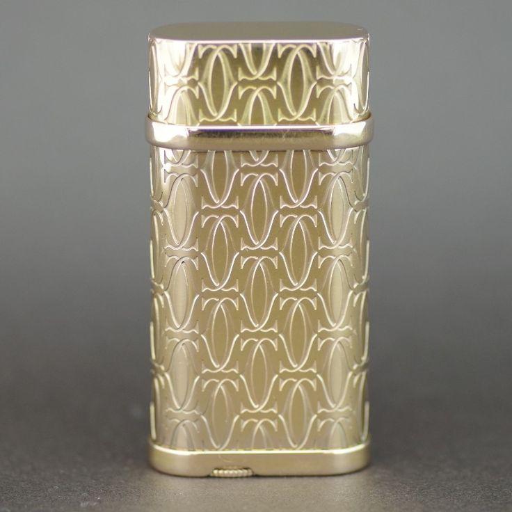 【中古】Cartier(カルティエ) Cドゥ カルティエ 2C ゴールドフィニッシュ ゴールド ライター/ゴールドフィニッシュでカルティエのトレードマークでもある「C」をカット加工を施した美しい輝きのクールでエレガントなデザインです。/新品同様・極美品・美品の中古ブランドライターを格安で提供いたします。