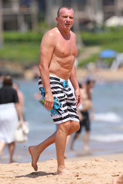 joe montana pictures | Joe Montana Photos - Joe Montana at the Beach - Zimbio