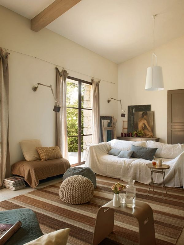 Discover the beauty of the French Riviera at the Grain & Ficelle hotel. Country- / Beach House Inspiration (Lounge)