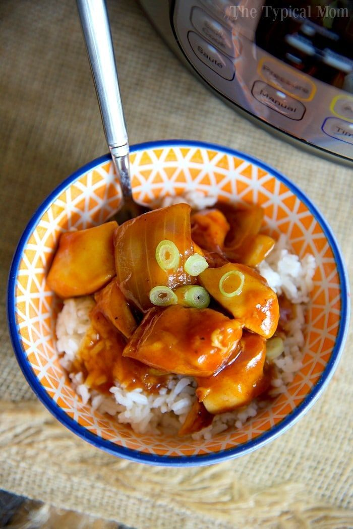 The best Instant Pot orange chicken recipe I've found so far! Super easy to make in less than 10 minutes and a healthy pressure cooker recipe too.