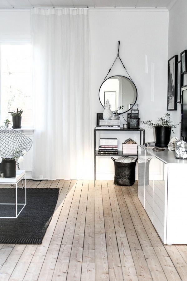 pretty flooring wooden mirror grey décor white frames