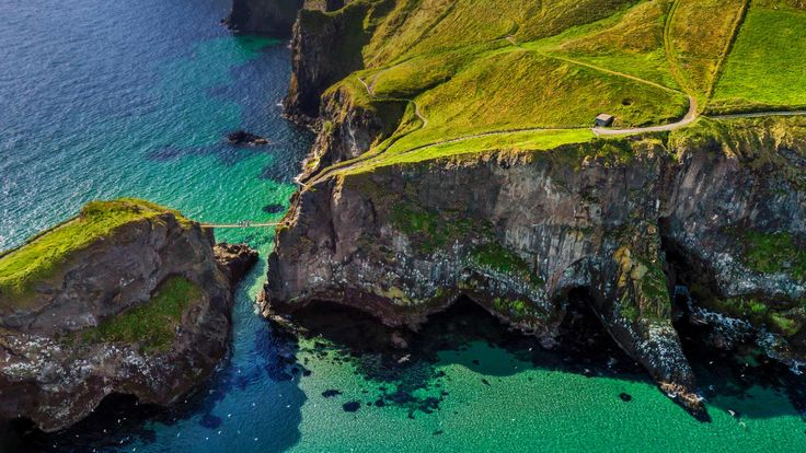 Carrick-a-Rede rope bridge near Ballintoy, Northern Ireland (© Chris Hill/Getty Images) – 2015-04-12  http://www.bing.com/search?q=Carrick-a-Rede+Rope+Bridge&form=hpcapt&filters=HpDate:%2220150412_0700%22
