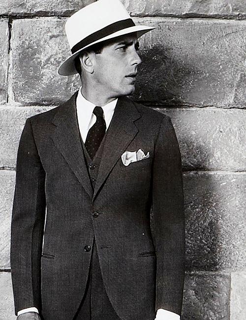 Rock that hat + pocket square Humphrey