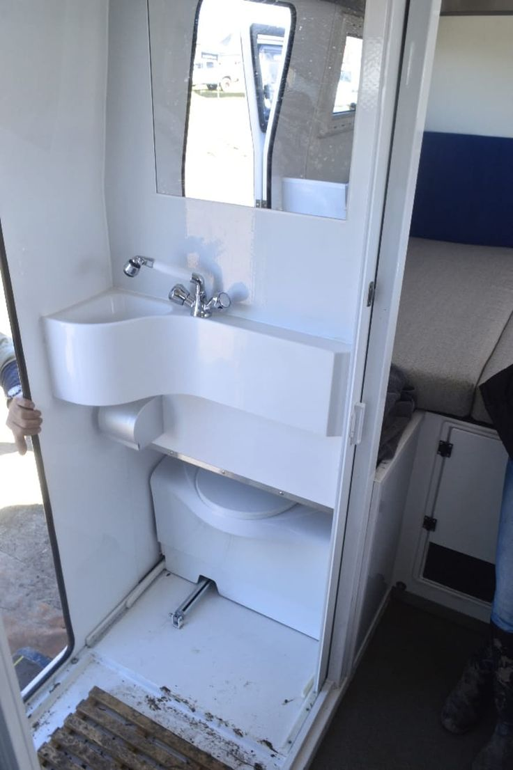 Caravan bathroom unit - Consider This Bathroom In The Entryway An Entryway Is Often Used Only For Shoes