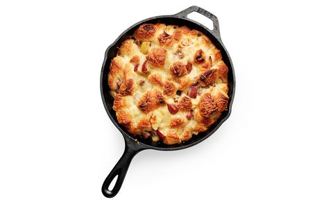 Apple, Sausage, and Cheddar Monkey Bread | RealSimple.com