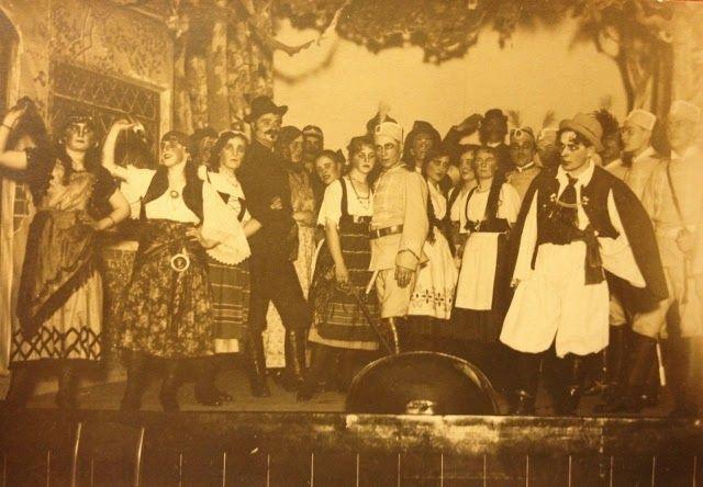 Forssa v.1922 VPK:n näyttelijät (punainen laukku).