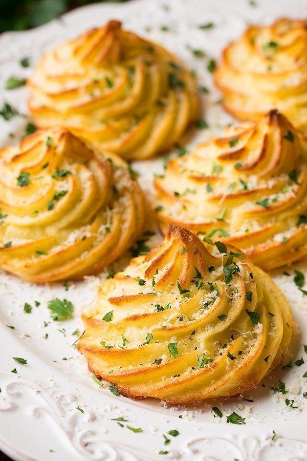 Картофель «Герцогиня» с пармезаном и чесноком