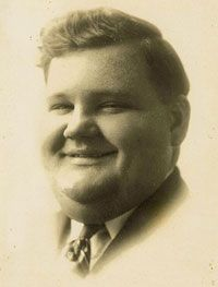 August 7th, 1957 - Oliver Hardy, comedian of Laurel & Hardy, died at 65. He suffered two more strokes in early August 1957, and slipped into a coma from which he never recovered. Oliver Hardy died from cerebral thrombosis on August 7. (More go to: http://www.thefuneralsource.org/deathiversary/august/07.html)