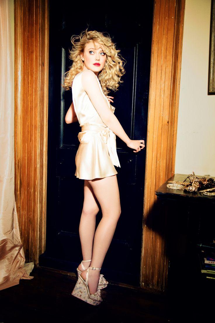 Crazy About Legs: Dakota Fanning