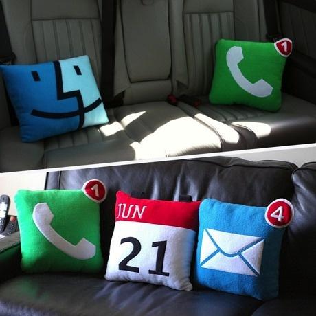 Icon PIllows  http://monoco.jp/sale/503#