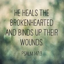 Afbeeldingsresultaat voor he heals the brokenhearted and binds up their wounds