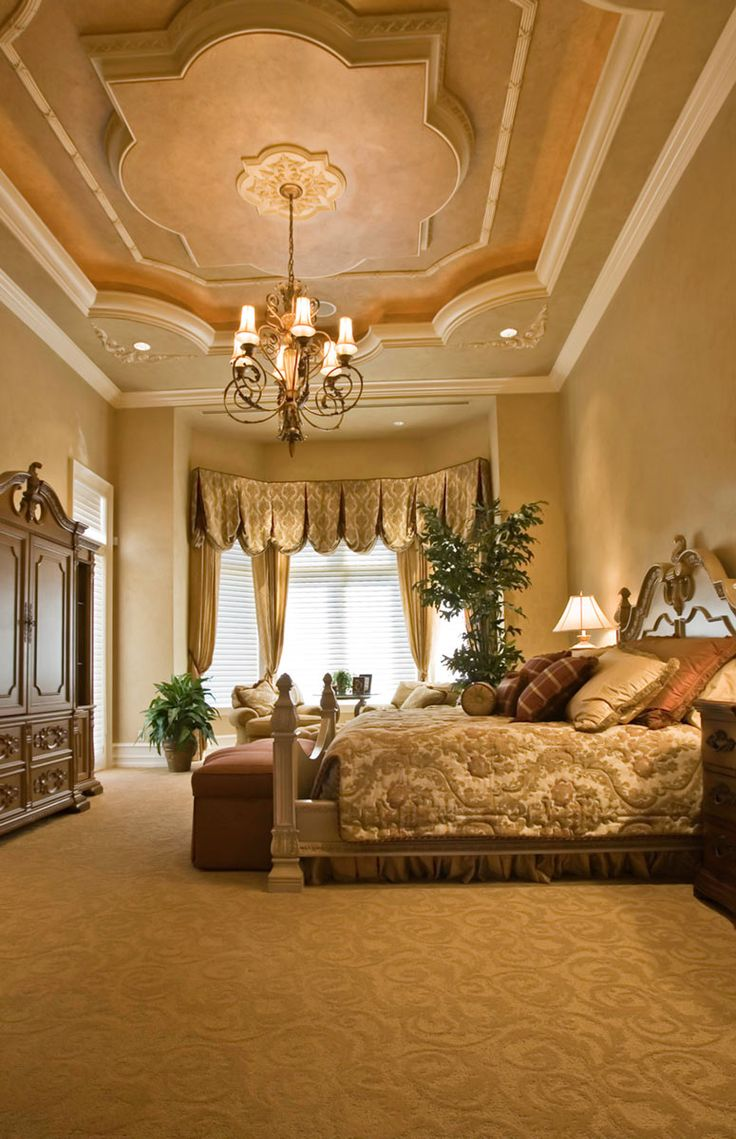 Crown molding designs living rooms - View This Great Master Bedroom With High Ceiling Crown Molding Discover Browse Thousands Of Other Home Design Ideas On Zillow Digs