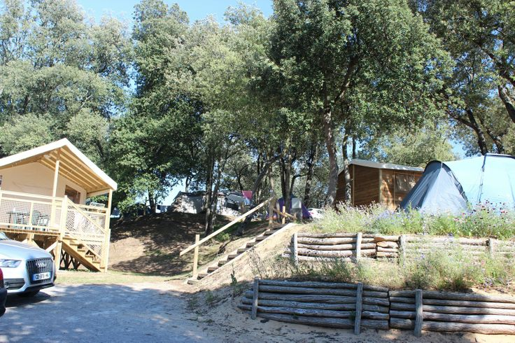 Ecolodge et emplacement camping