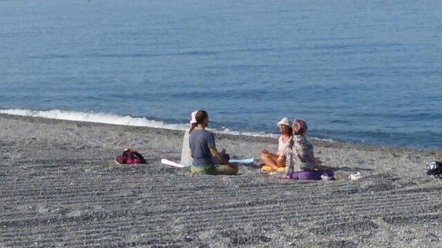 Scalea meditazione in spiaggia