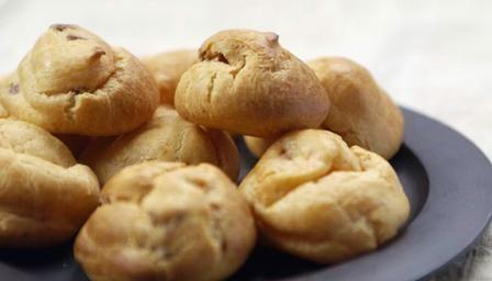 BBC - Food - Recipes : Pancetta and parmesan puffs - Lorraine Pascale