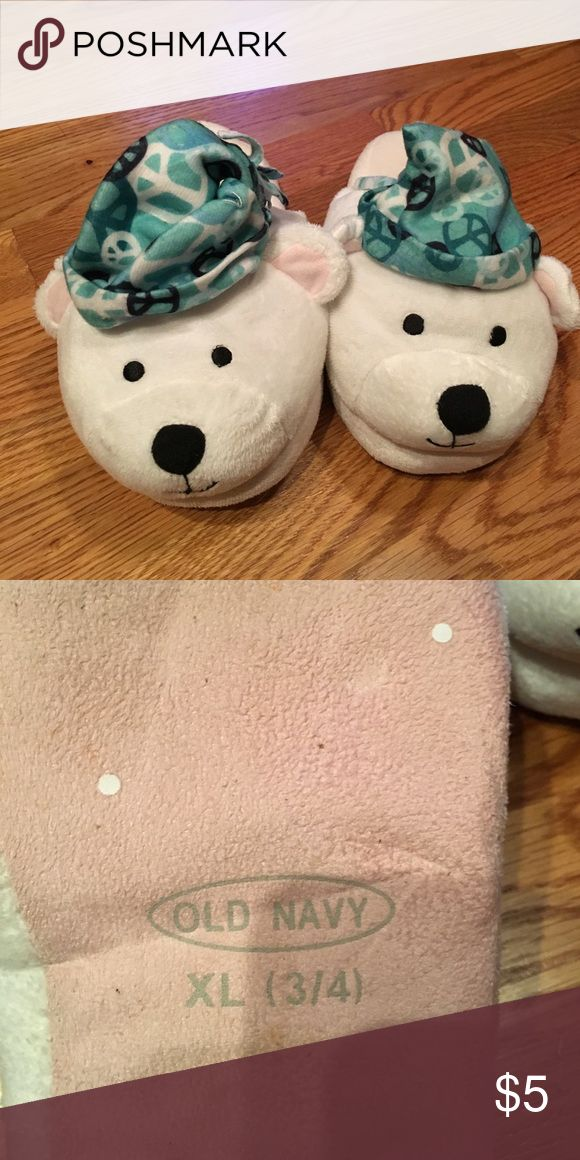 Old Navy polar bear slippers Great condition Old Navy Shoes