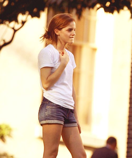 Emma Watson how can you looks so fab in such a simple outfit with your hair just thrown up like that?!?