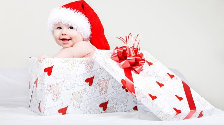 Kişiye özel ve birbirinden orjinal hediye alternatifler için;  http://hediye.com.tr/yilbasi-hediyeleri/page-3/