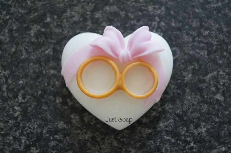 Ringen op hart met strik | **Nieuw Juni Zeep** | Just soap