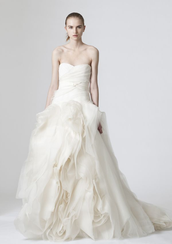 Vera Wang 'Diana' wedding dress: Ivory strapless organza sweetheart gown with tulle