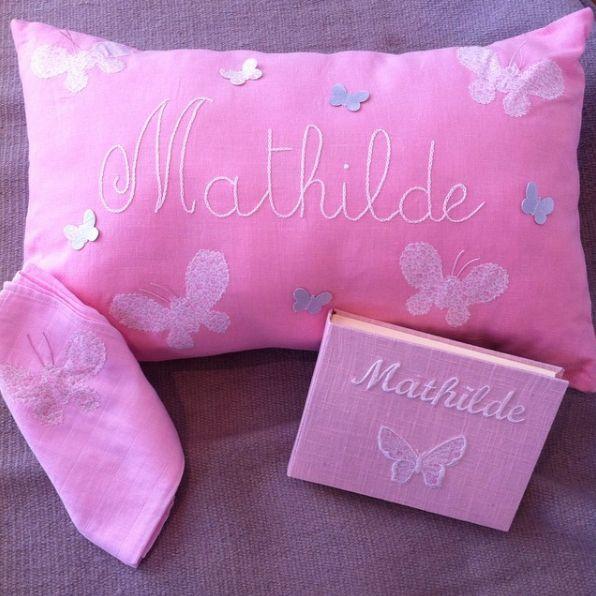 Mathilde, gift, cadeaux de naissance, cadeau prénom enfant, baby, kid, made in france, coussin, lange, album photos, nanelle