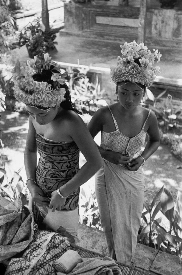 Journey Photograph by Henri-Cartier Bresson Date: 1949 Title: Preparations for the Baris Dance, Ubud, Bali, Indonesia Theme: Beauty Map: Asia