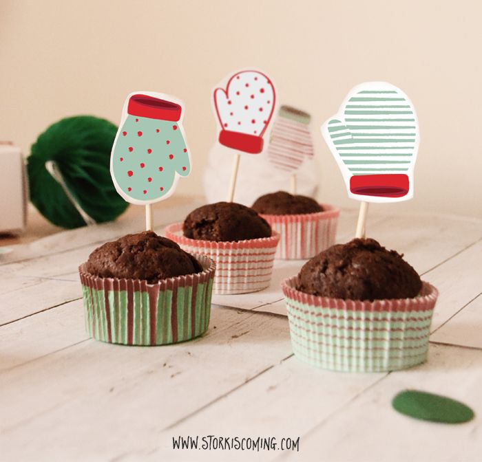 Free printable mittens cupcake toppers. Adorable!